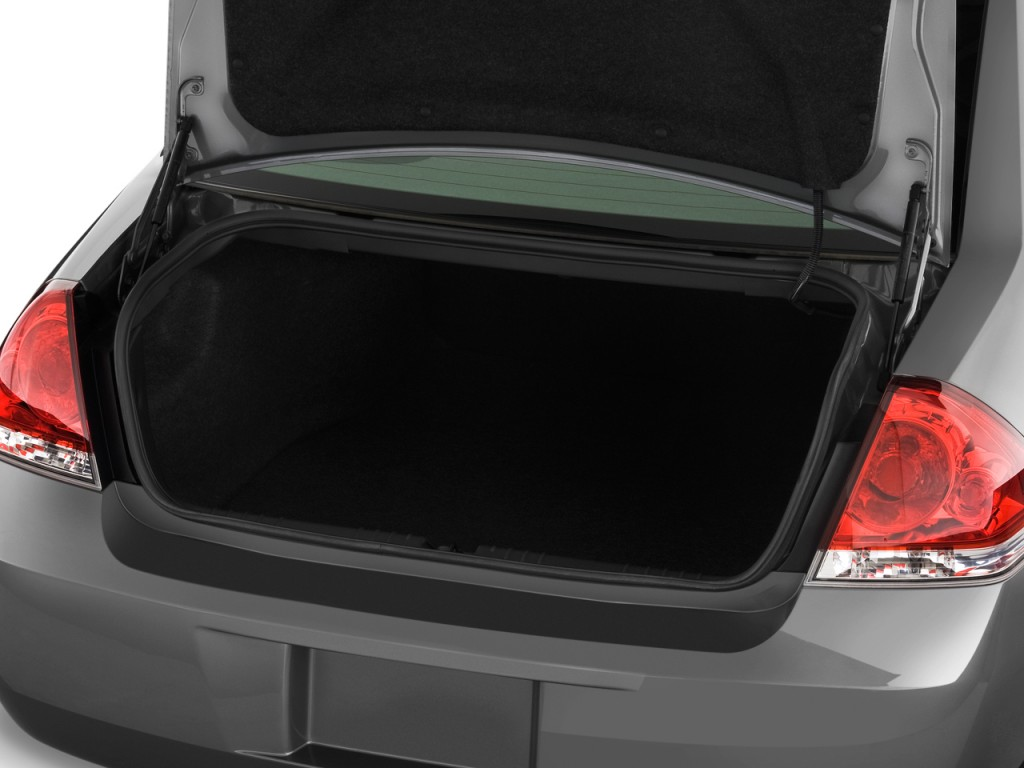 Image: 2013 Chevrolet Impala 4-door Sedan LT Retail Trunk ...