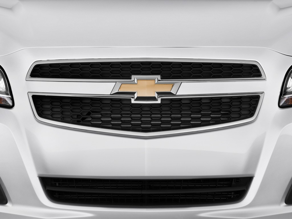 image 2013 chevrolet malibu 4 door sedan ls w 1ls grille. Black Bedroom Furniture Sets. Home Design Ideas