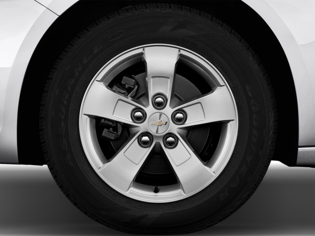 image 2013 chevrolet malibu 4 door sedan ls w 1ls wheel. Black Bedroom Furniture Sets. Home Design Ideas