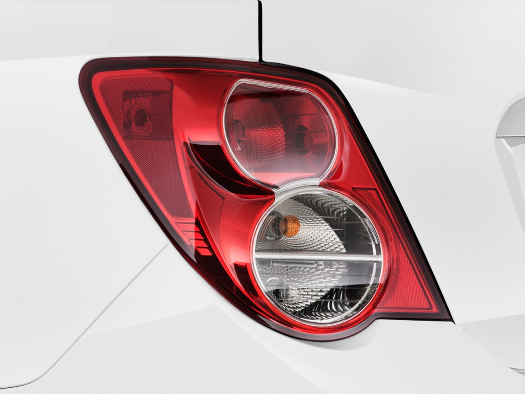 2013 Chevrolet Sonic 4-door Sedan Auto LT Tail Light