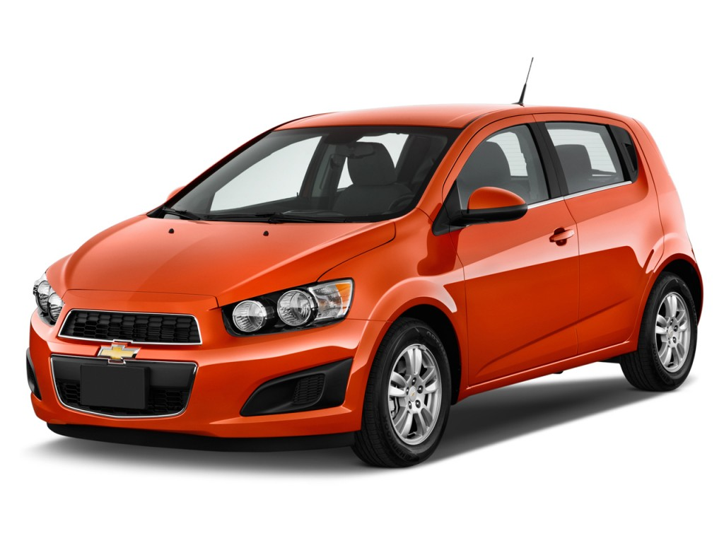2013 Chevrolet Sonic 5dr HB Auto LT Angular Front Exterior View