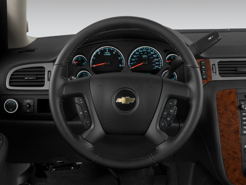 image 2013 chevrolet tahoe 2wd 4 door 1500 ltz steering. Black Bedroom Furniture Sets. Home Design Ideas
