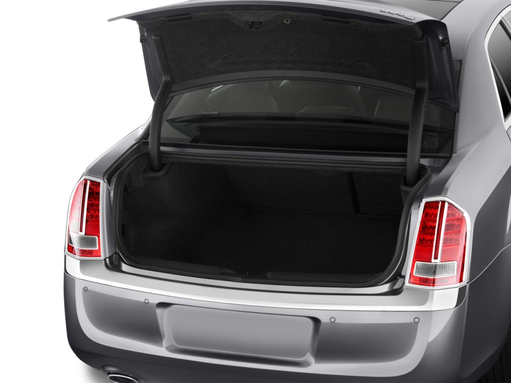 Image 2013 Chrysler 300 4 Door Sedan Awd Trunk Size