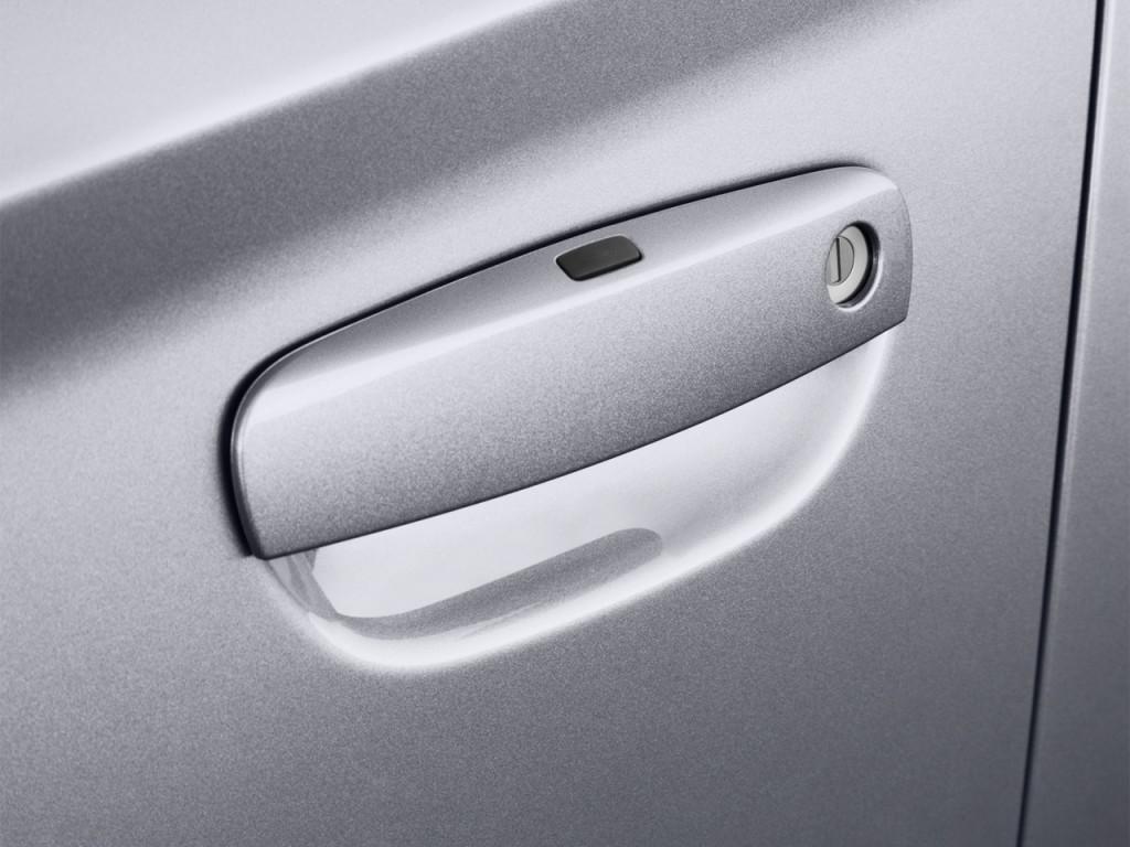 2007 Dodge Nitro Door Handle