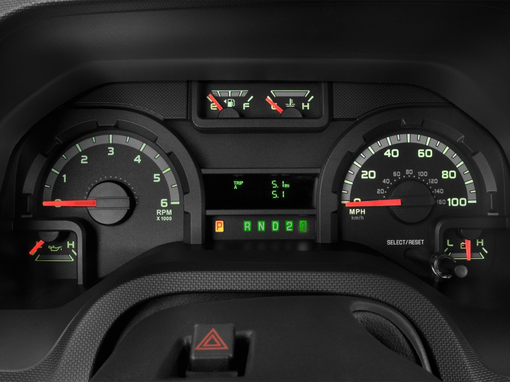 How Make Cars 1984 Ford E250 Instrument Cluster