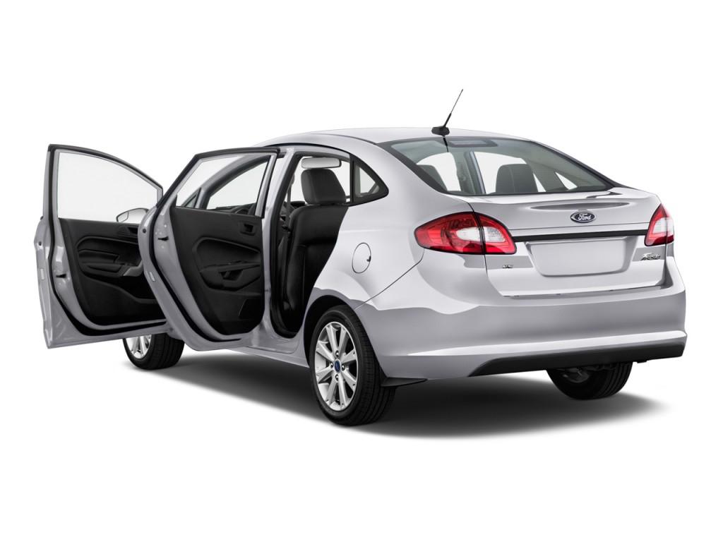 2013 Ford Fiesta 4-door Sedan SE Open Doors