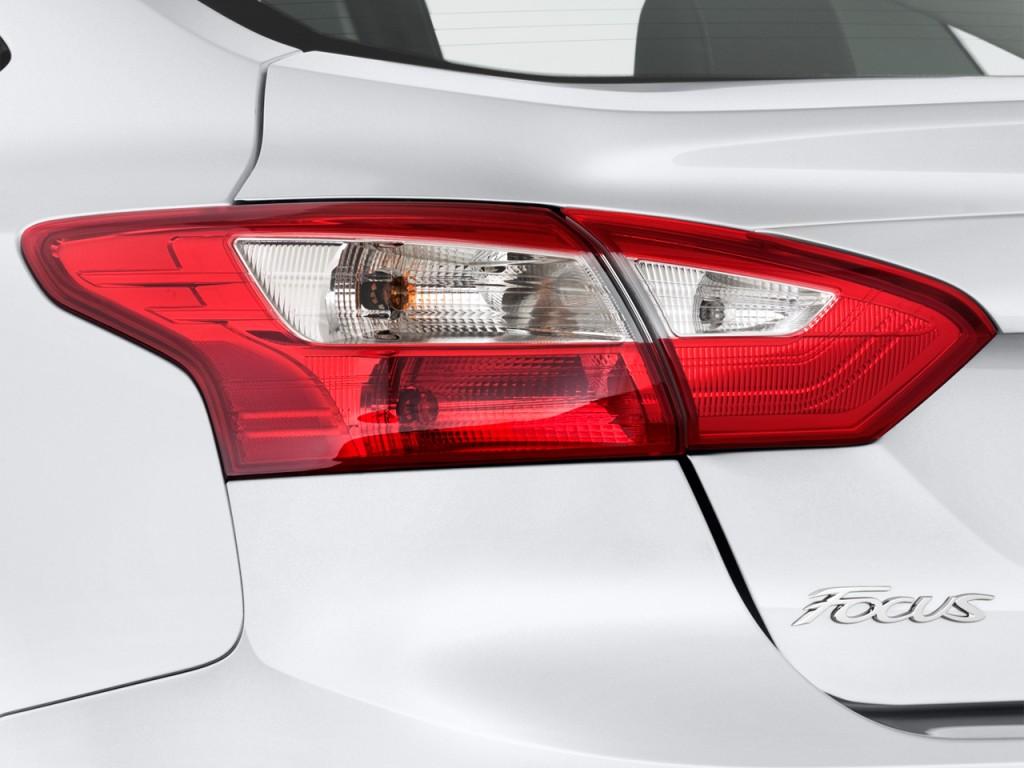 Image: 2013 Ford Focus 4-door Sedan SE Tail Light, size ...