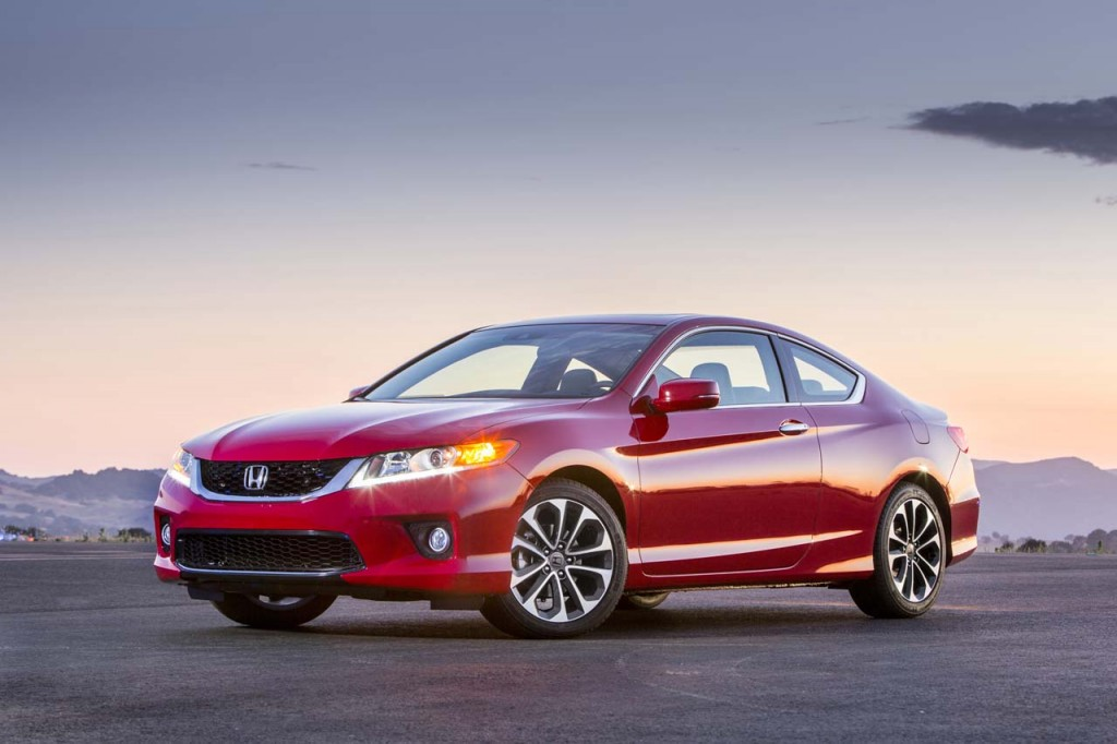 Chrysler, Honda, Subaru Among IIHS's 13 Safest Cars Of 2013