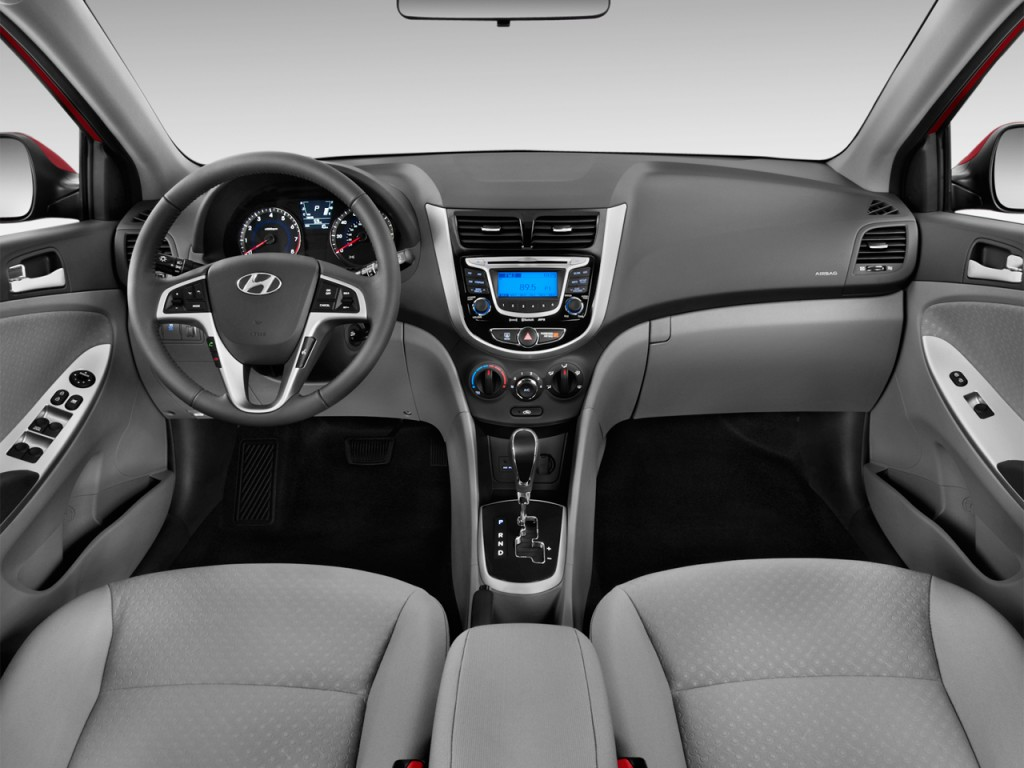 image 2013 hyundai accent 5dr hb auto se dashboard size. Black Bedroom Furniture Sets. Home Design Ideas