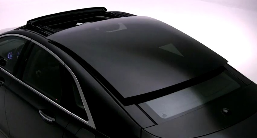 2013 Lincoln Mkz Shows Off Its Massive Panoramic Roof Video