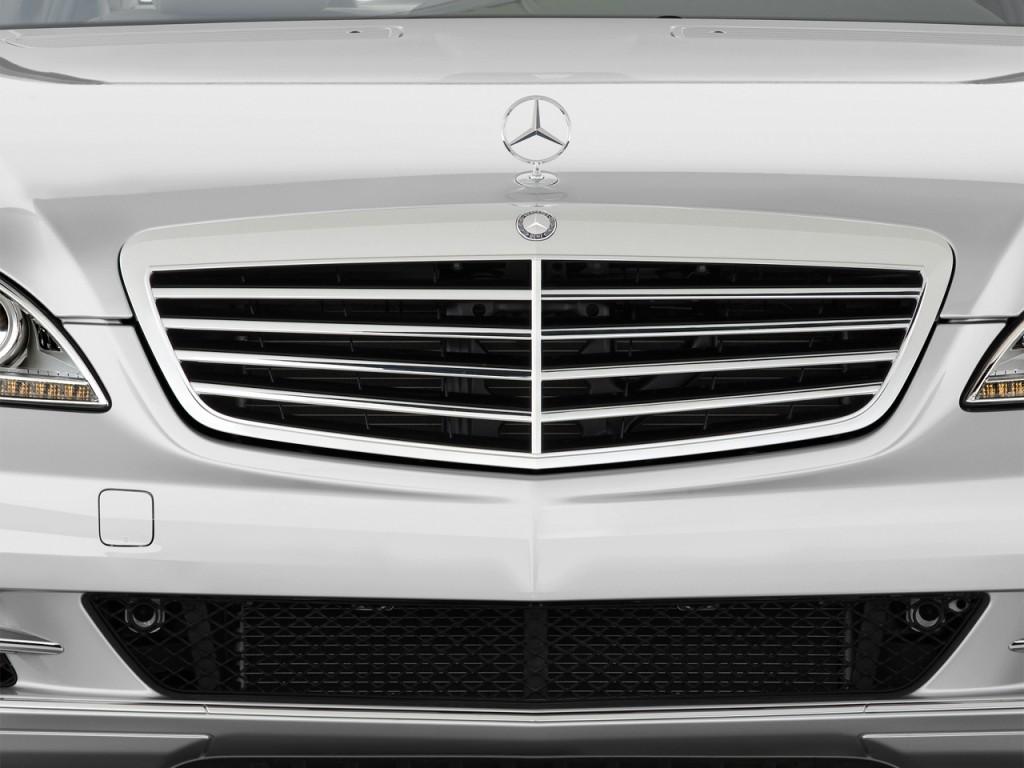 Image 2013 mercedes benz s class 4 door sedan s550 rwd for Mercedes benz grill