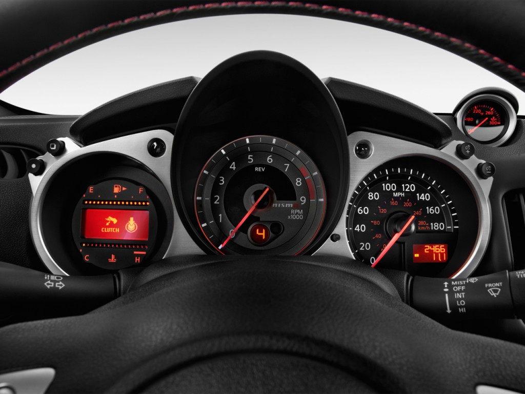 Image: 2013 Nissan 370Z 2-door Coupe Manual NISMO Instrument Cluster