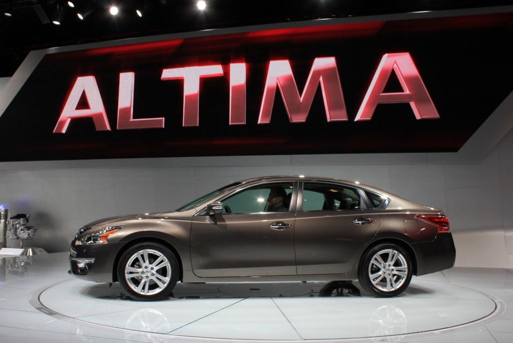 2013 Nissan Altima Live Photos: 2012 New York Auto Show