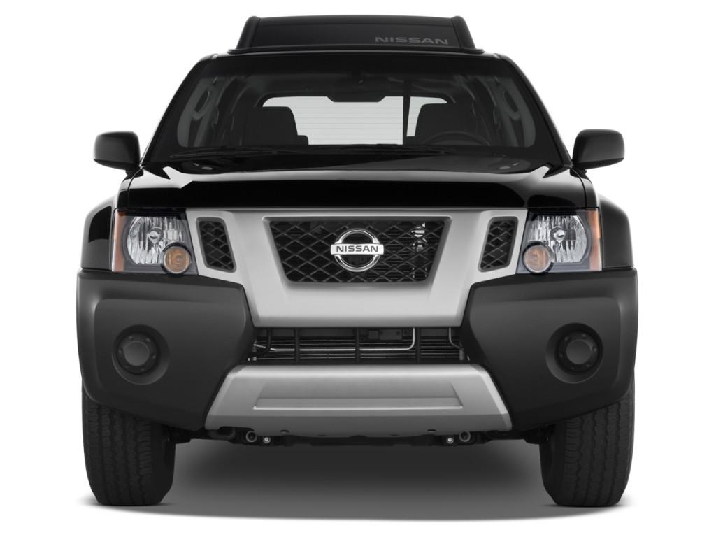 2013 Nissan Xterra 2WD 4-door Auto S Front Exterior View