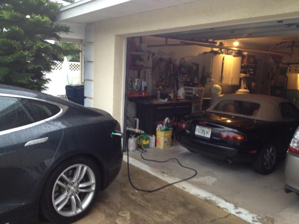 Image 2013 Tesla Model S In Florida During New York To Florida Road Trip Photo David Noland