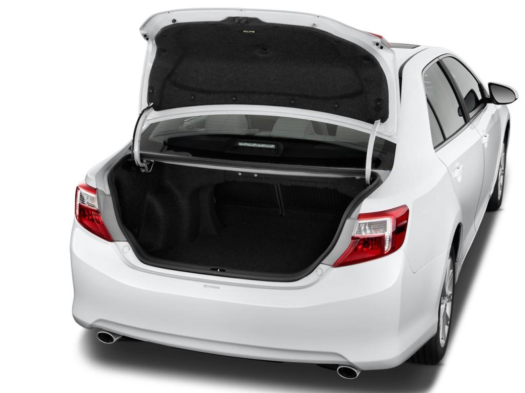 Image 2013 Toyota Camry 4 Door Sedan I4 Auto Xle Natl