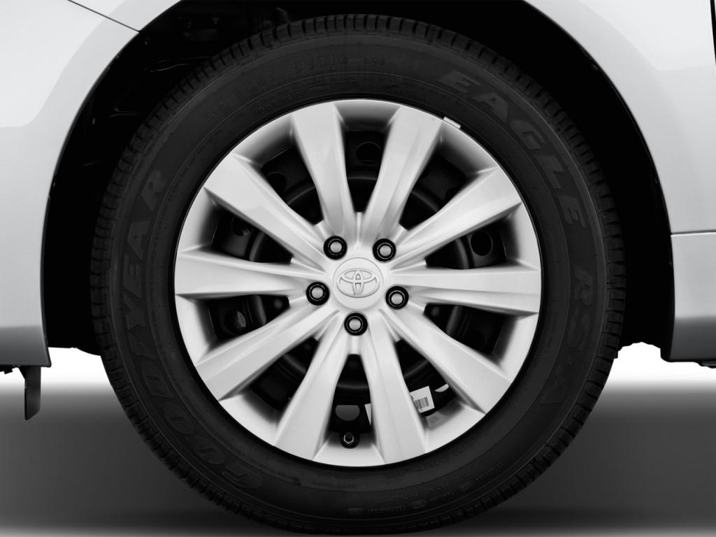 image 2013 toyota corolla 4 door sedan auto le natl wheel cap size 1024 x 768 type gif