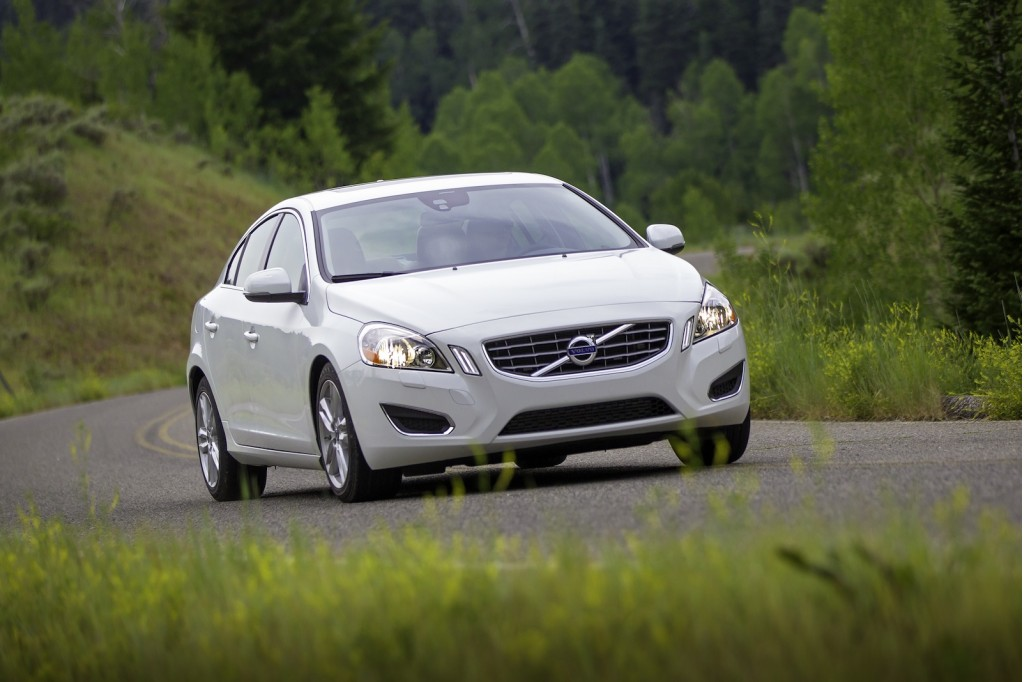 2013 Volvo S60 T5 AWD Video Road Test