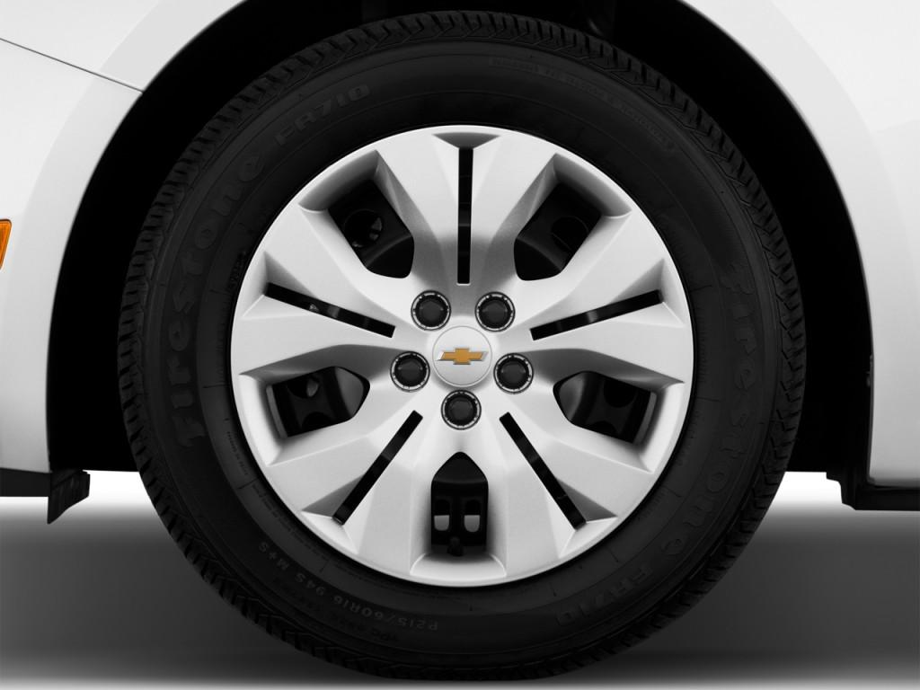 image 2014 chevrolet cruze 4 door sedan auto ls wheel cap size 1024 x 768 type gif posted. Black Bedroom Furniture Sets. Home Design Ideas