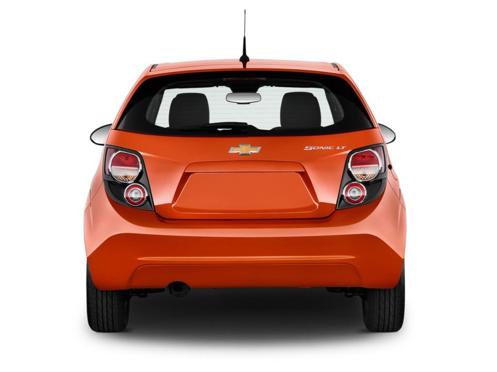 image 2014 chevrolet sonic 5dr hb auto lt rear exterior. Black Bedroom Furniture Sets. Home Design Ideas