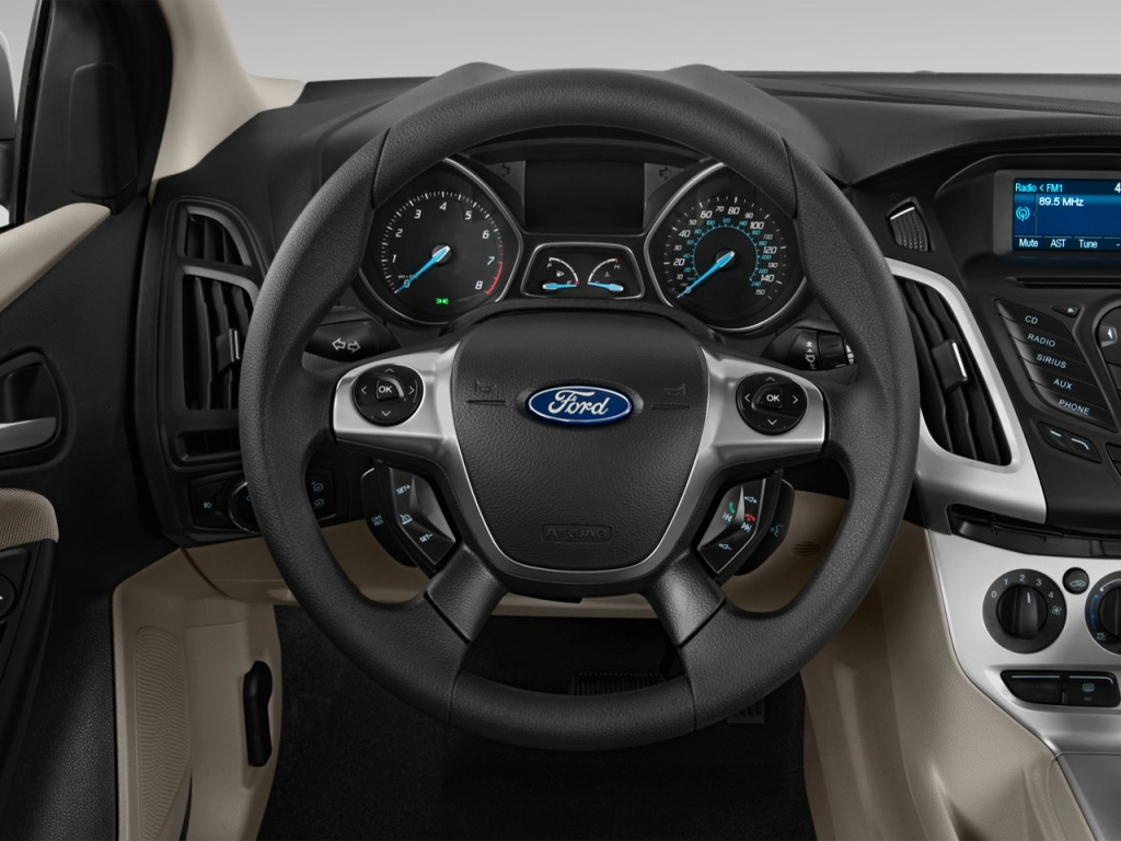 image 2014 ford focus 4 door sedan se steering wheel size 1024 x 768 type gif posted on. Black Bedroom Furniture Sets. Home Design Ideas