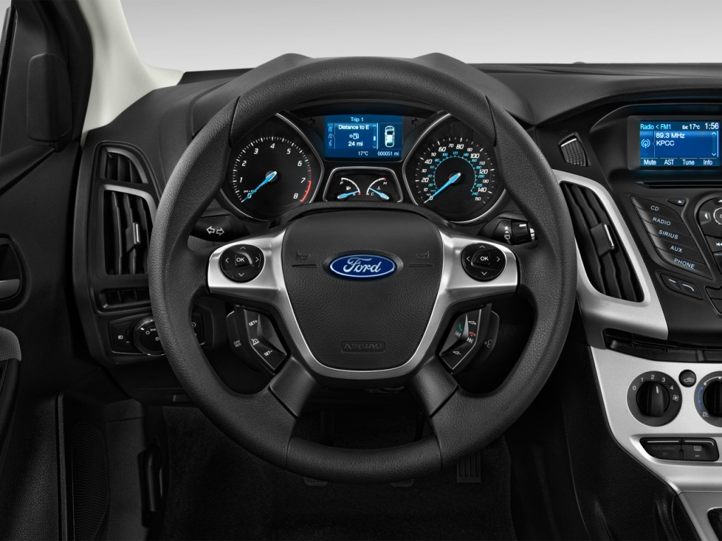 image 2014 ford focus 5dr hb se steering wheel size. Black Bedroom Furniture Sets. Home Design Ideas