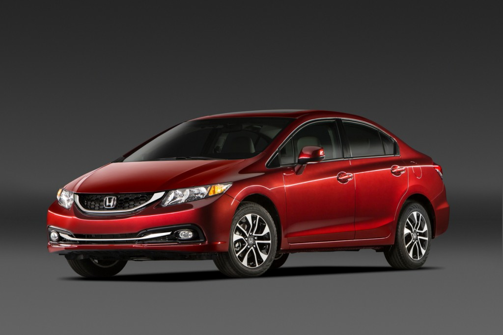 2014 Honda Civic Gets The Hint, Makes Smartphones Central To The Driving Experience (Video)