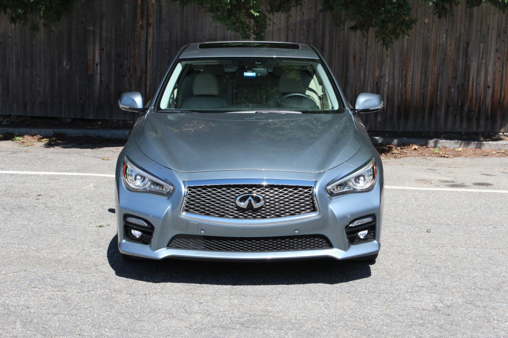 image 2014 infiniti q50 hybrid sport first drive july. Black Bedroom Furniture Sets. Home Design Ideas