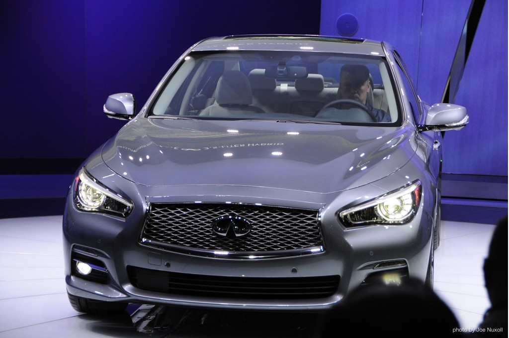 2014 Infiniti Q50 revealed at the 2013 Detroit Auto Show