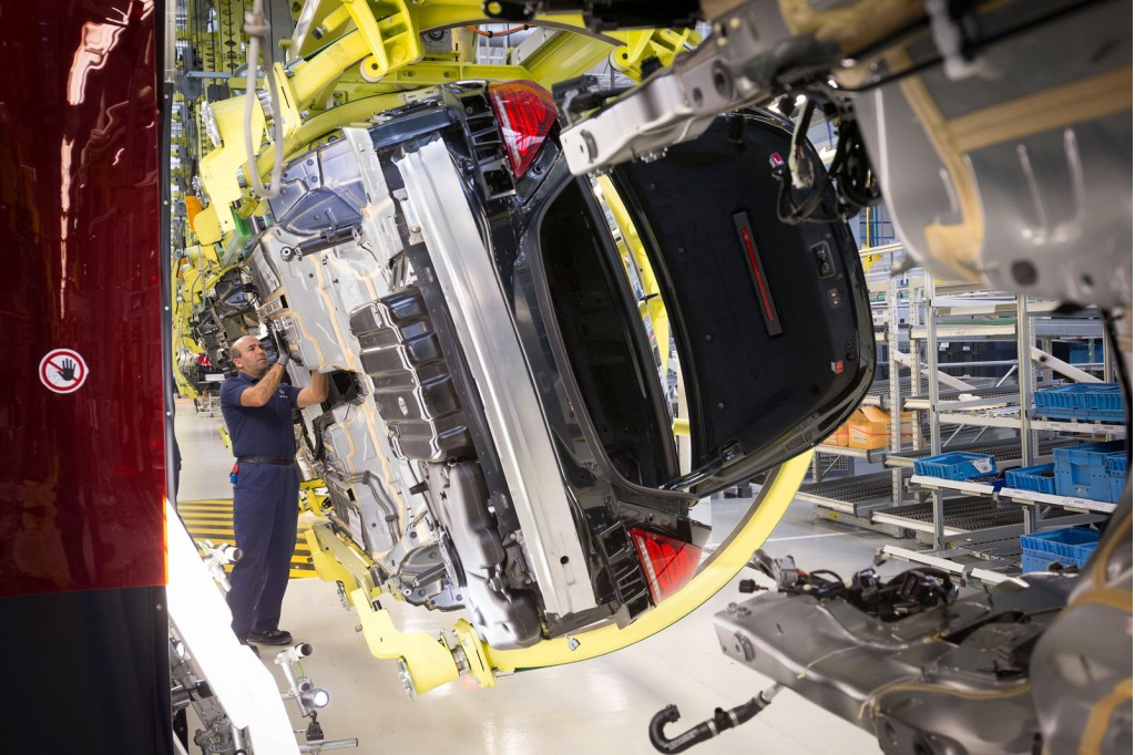 2014 Mercedes-Benz S Class production in Sindelfingen, Germany