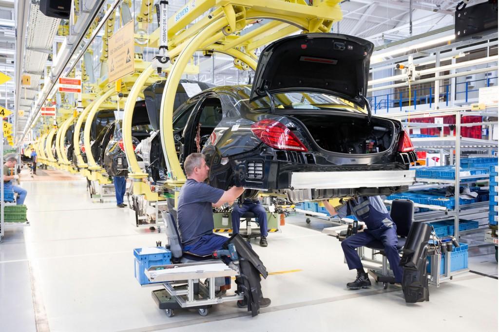2014 Mercedes-Benz S Class production in Sindelfingen, Germany