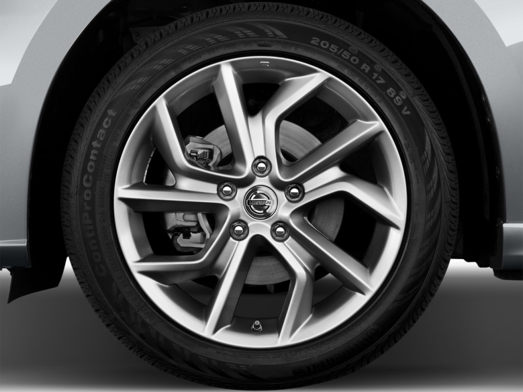 Image: 2014 Nissan Sentra 4-door Sedan I4 CVT SR Wheel Cap ...