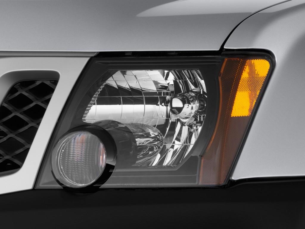 image 2014 nissan xterra 2wd 4 door auto s headlight. Black Bedroom Furniture Sets. Home Design Ideas