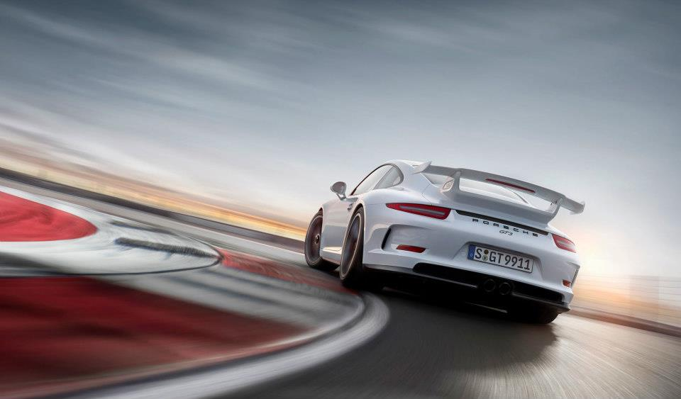 Technical Analysis On The 2014 Porsche 911 Gt3 Video