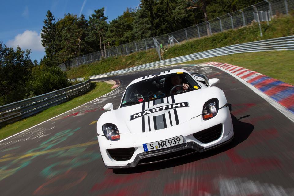 porsche 918 spyder now makes 887 hp goes 0 60 mph in 2 8 seconds. Black Bedroom Furniture Sets. Home Design Ideas