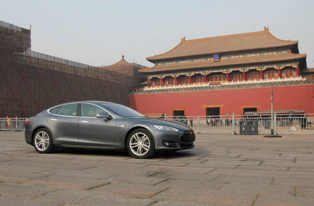 2014 Tesla Model S in China