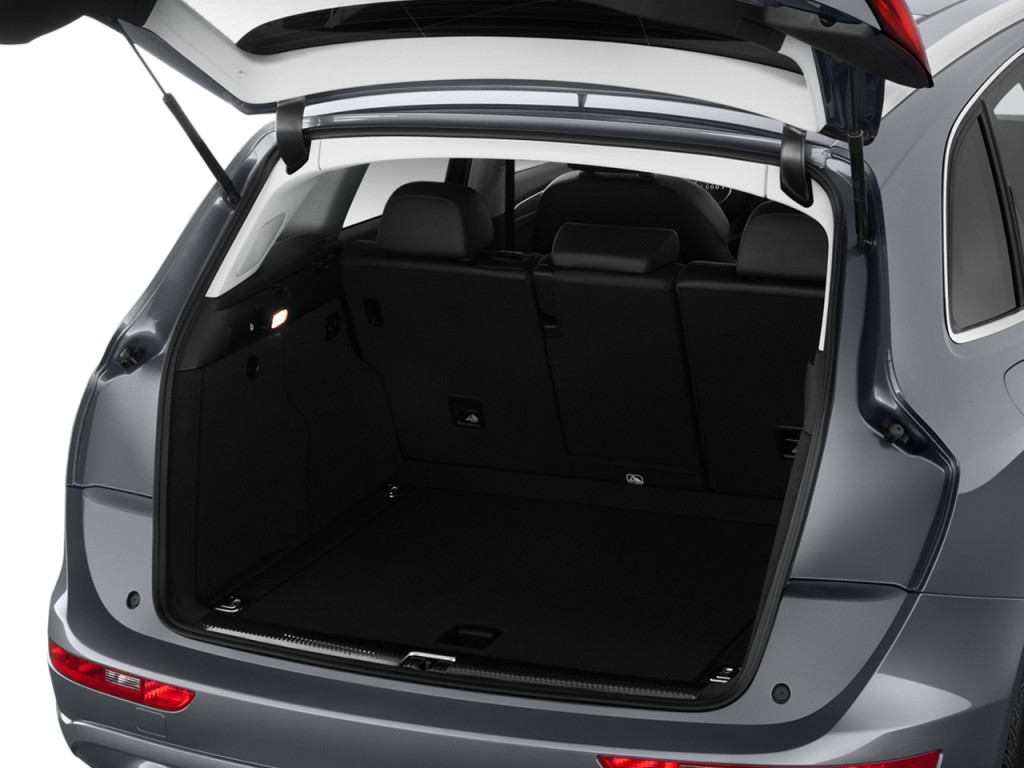 image 2015 audi q5 quattro 4 door 2 0t premium trunk. Black Bedroom Furniture Sets. Home Design Ideas