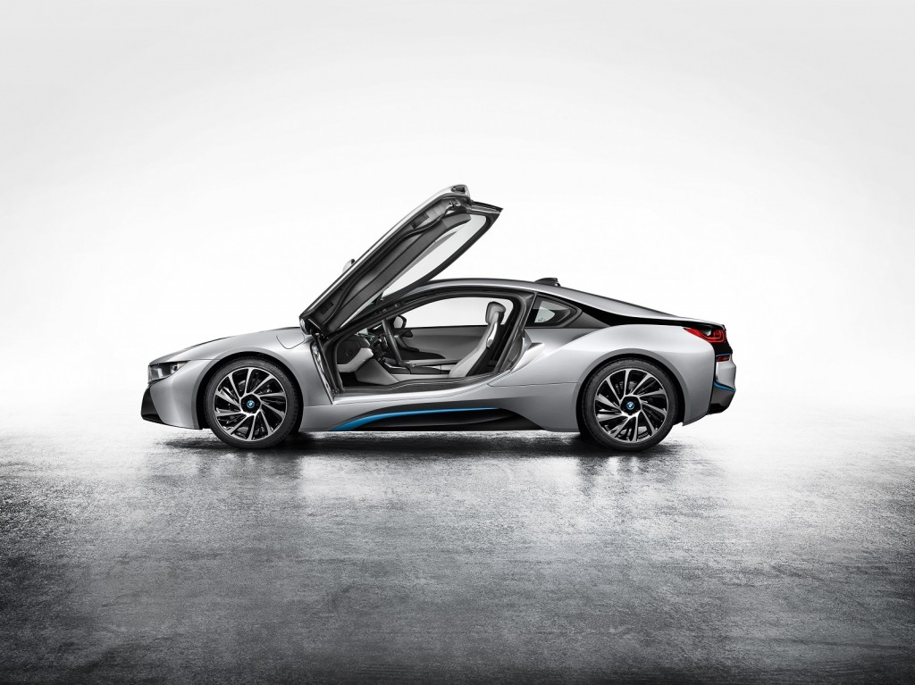 Following In Tesla's Footsteps, BMW Offers To Share Electric Car Technology