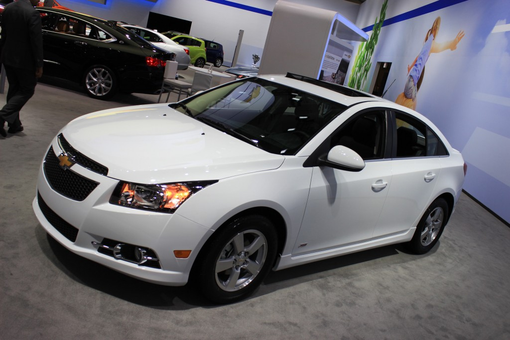 image 2015 chevrolet cruze 2014 new york auto show size 1024 x 682 type gif posted on. Black Bedroom Furniture Sets. Home Design Ideas