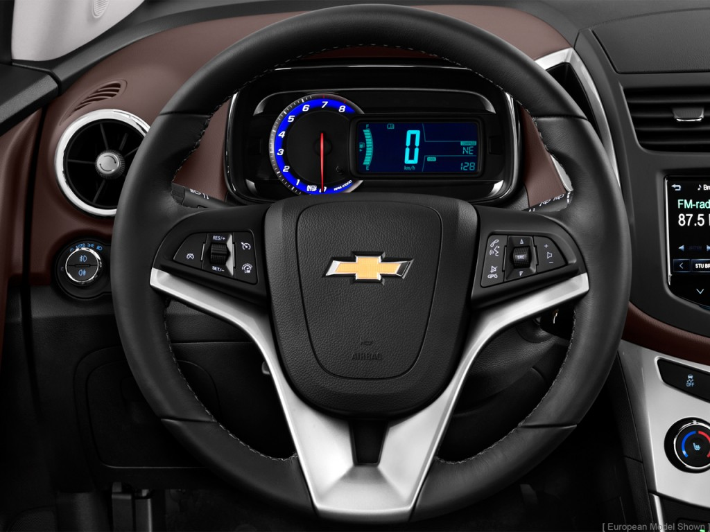 image 2015 chevrolet trax fwd 4 door ls w 1ls steering. Black Bedroom Furniture Sets. Home Design Ideas