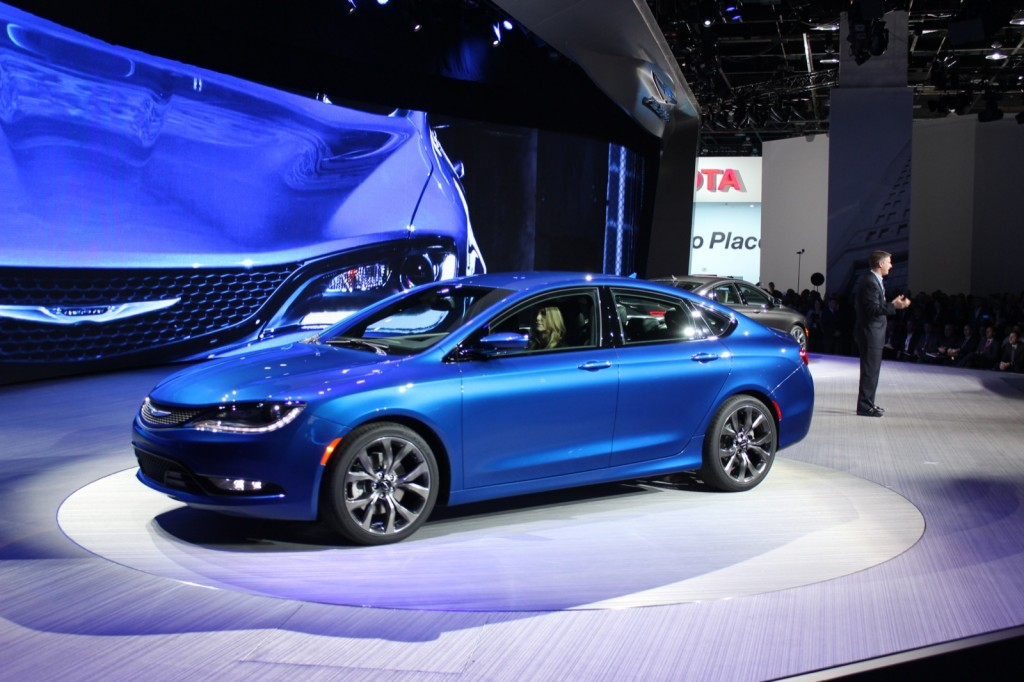 2015 Chrysler 200  -  2014 Detroit Auto Show