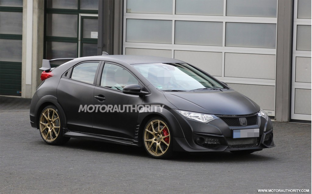 2015 Honda Civic Type R spy shots - Image via S. Baldauf/SB-Medien