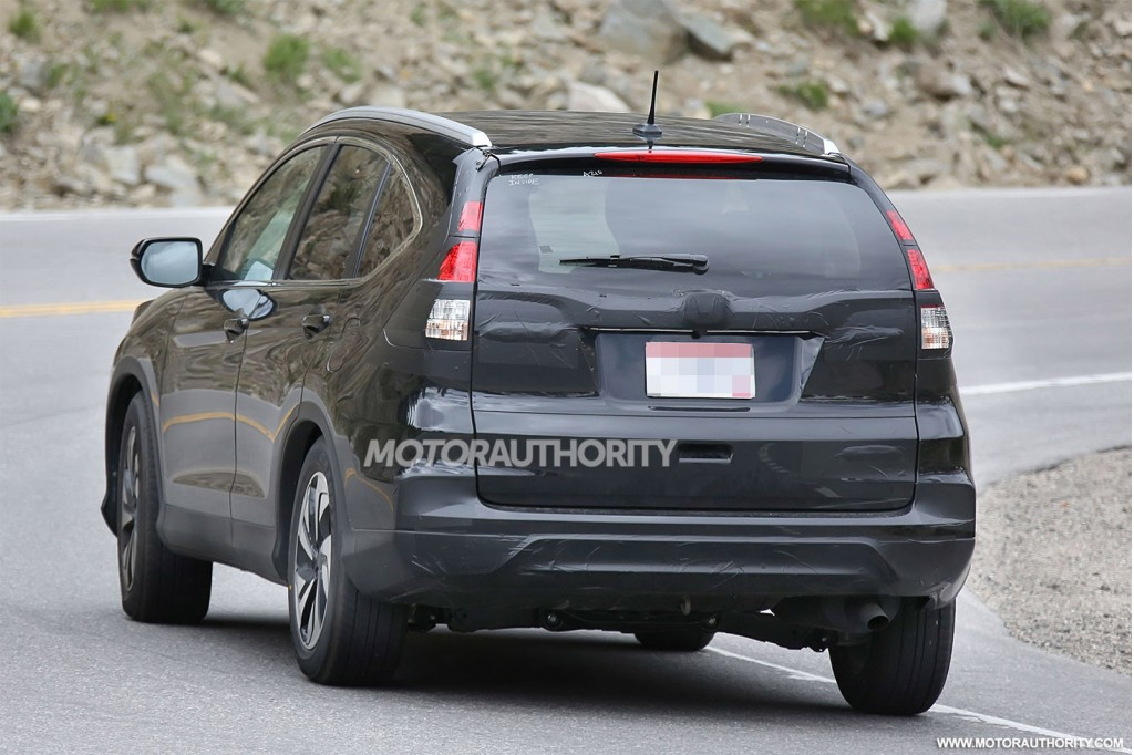 2015 Honda CR-V facelift spy shots