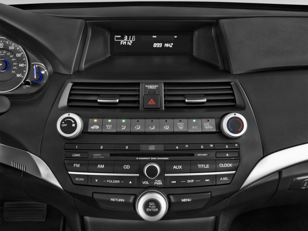 Image: 2015 Honda Crosstour 2WD I4 5dr EX Audio System ...