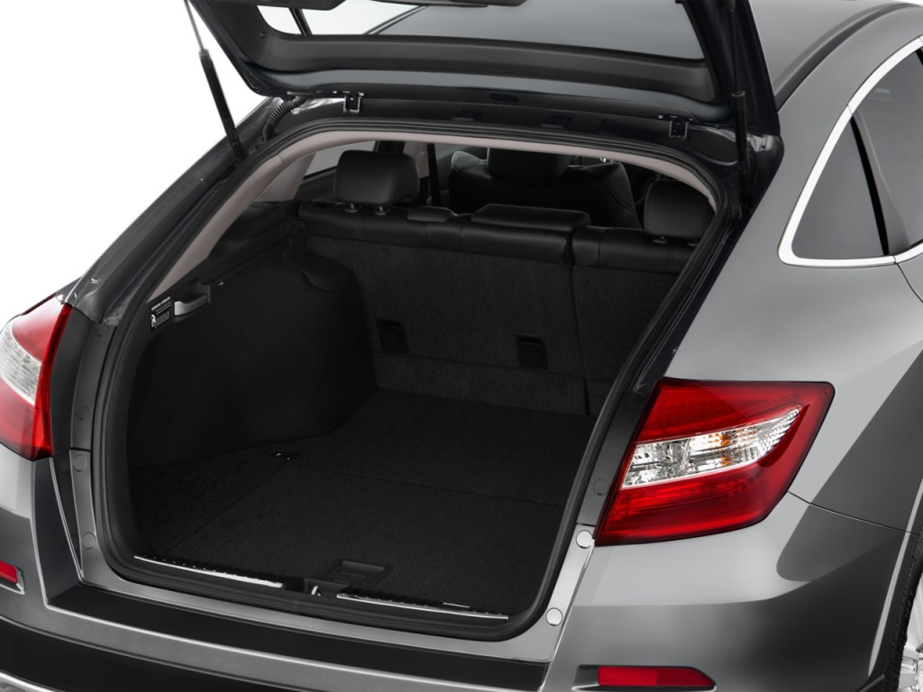 image 2015 honda crosstour 4wd v6 5dr ex l trunk size. Black Bedroom Furniture Sets. Home Design Ideas