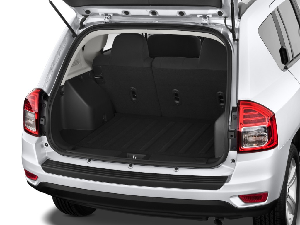 image 2015 jeep compass fwd 4 door sport trunk size. Black Bedroom Furniture Sets. Home Design Ideas