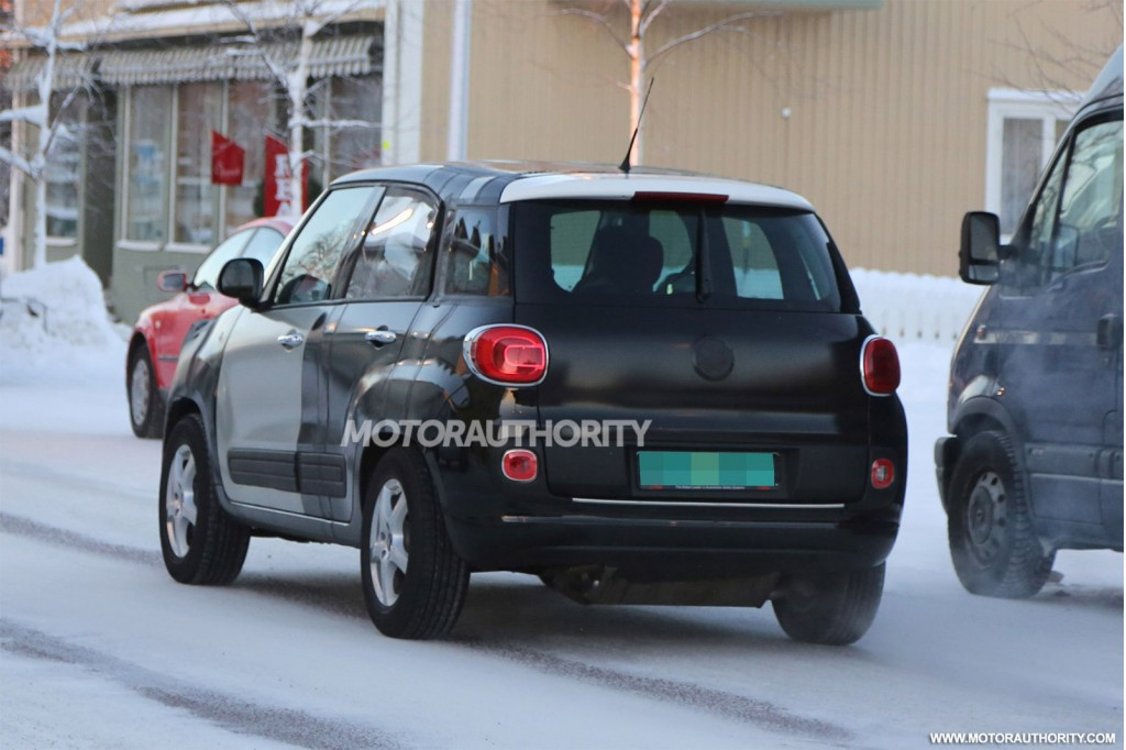 2015 Jeep Jeepster test mule spy shots