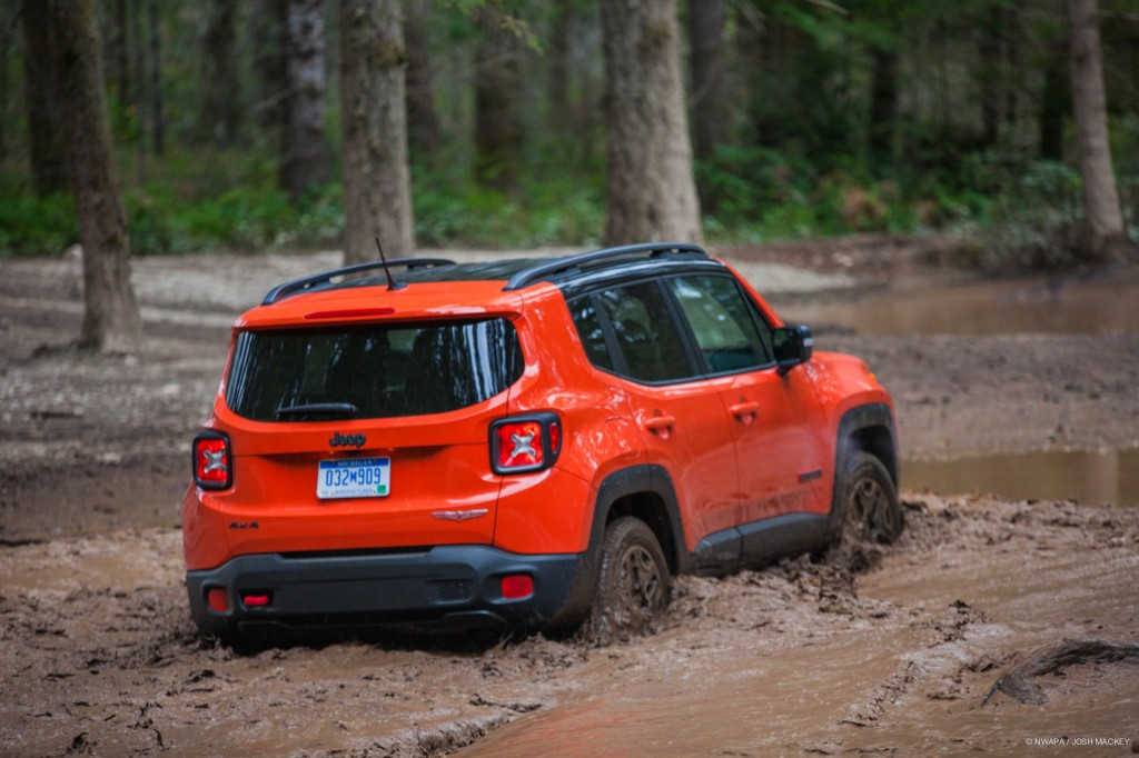 image 2015 jeep renegade trailhawk at northwest automotive press association 39 mudfest 39 size. Black Bedroom Furniture Sets. Home Design Ideas