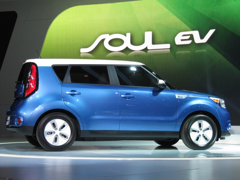 2015 Kia Soul EV launch at 2014 Chicago Auto Show