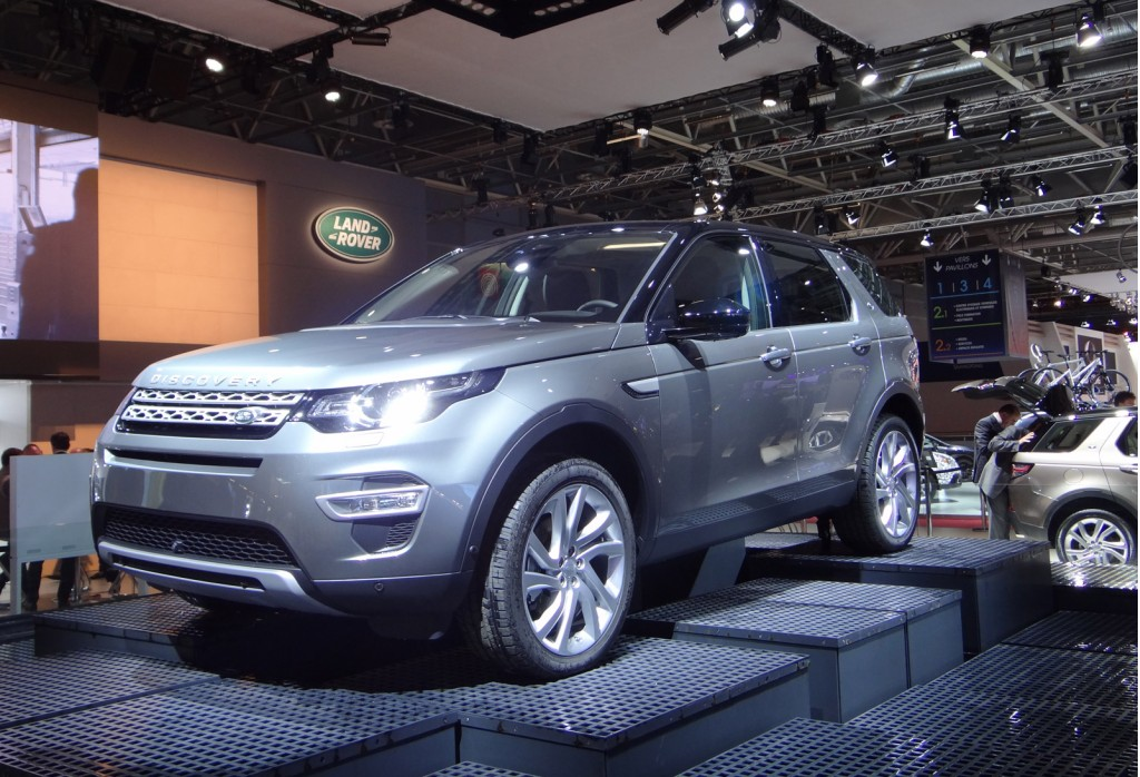 image 2016 land rover discovery sport 2014 paris auto show size 1024 x 698 type gif. Black Bedroom Furniture Sets. Home Design Ideas